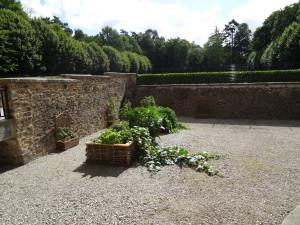 Les carrés potagers dans les du château de Lancheneil