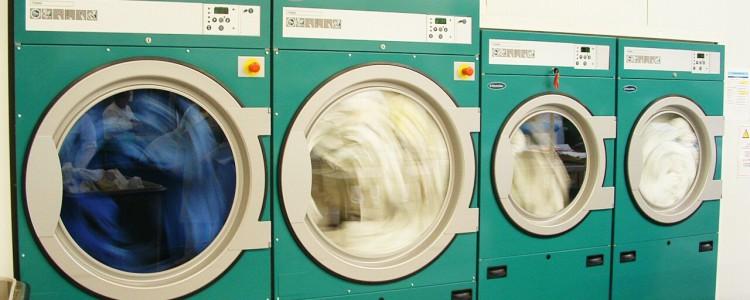 Séchoirs de la blanchisserie ESAT Lancheneil à 15 minutes de Laval