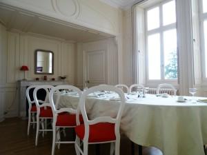 salle de restauration au château de Lancheneil à 15 minutes de Laval en Mayenne 53