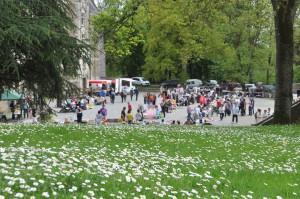 Vide Greniers au château de Lancheneil à 15 minutes de Laval