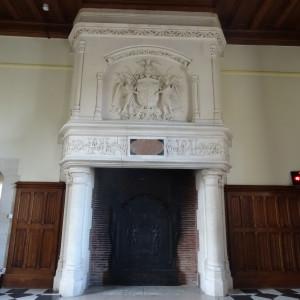 Cheminée de la grande salle du château