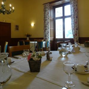 Restaurant et accueil de séminaire et formation au château de Lancheneil à 15 minutes de Laval en Mayenne 53