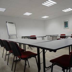 Location de salle pour formation ou séminaire pour groupe  de 8 à 30 personnes à 15 minutes de Laval en Mayenne 53